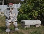 Vavřinec láká k posezení na lavičce
