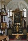vnitřek kostela sv. Jana Křtitele s obrazem Petra Brandla Křest Kristův