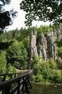 svatebni-pruvod-s-houpacim-mostem
